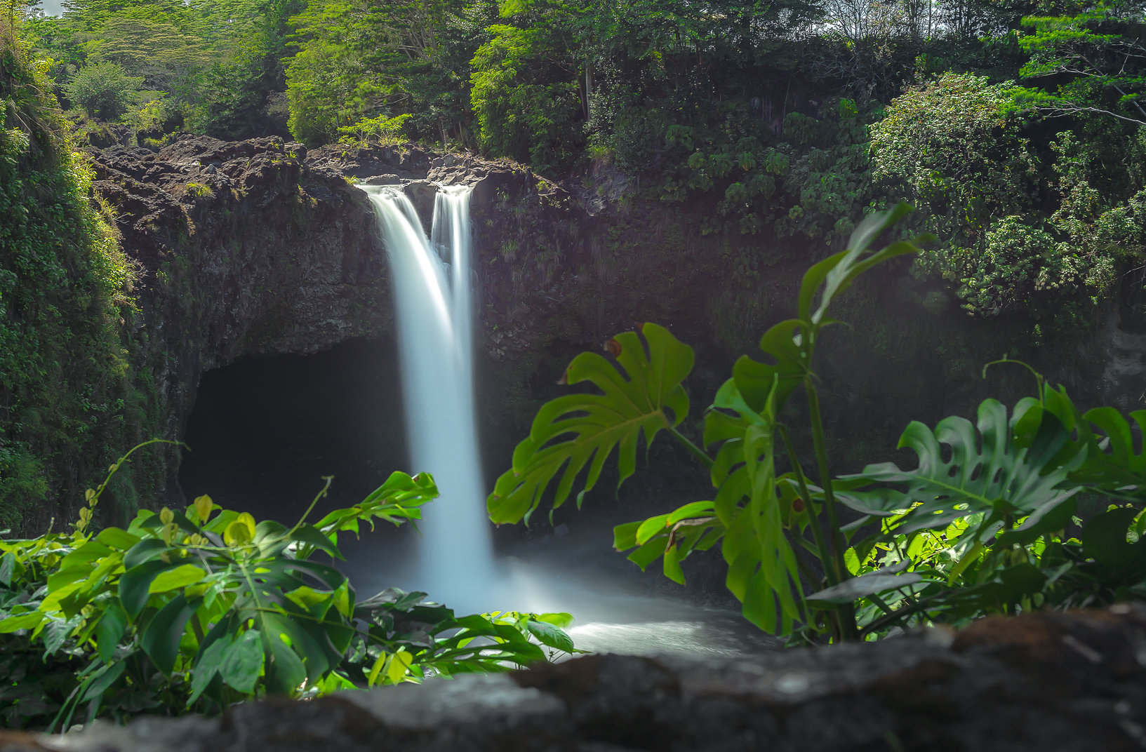 Discover the wonder of these amazing waterfall hikes on Oahu!